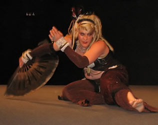 Onca Shows Floor Work Style--with Fans